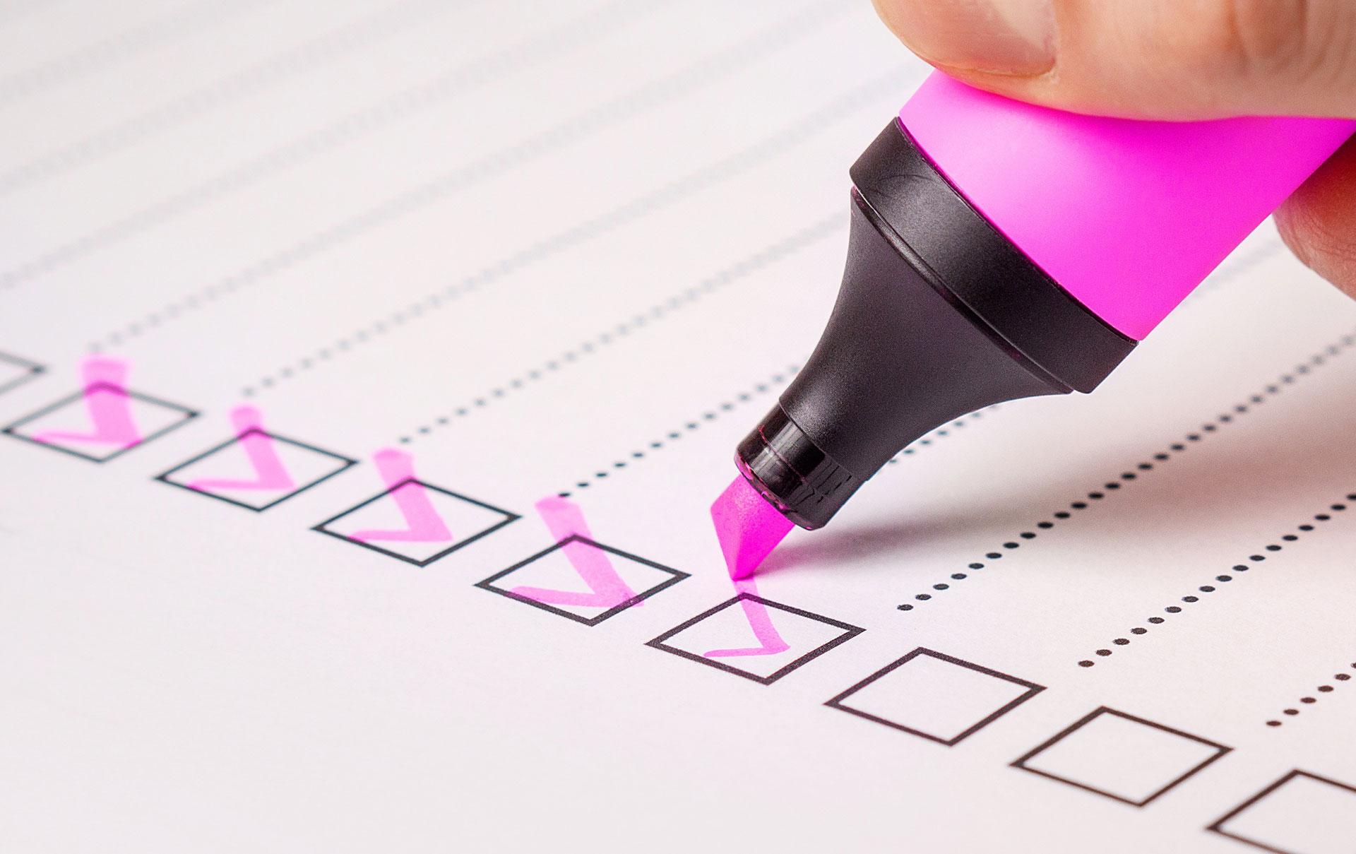 KS-Konsulenten_afkrydser_checkliste